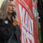 Ordförande Maria Persdotter på scen