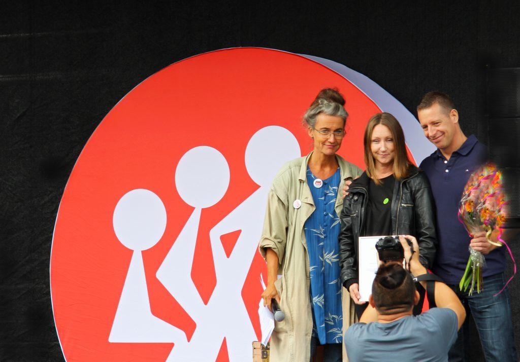 RBU:s ordförande Maria Persdotter tillsammans med vinnarna av Guldrullen 2017